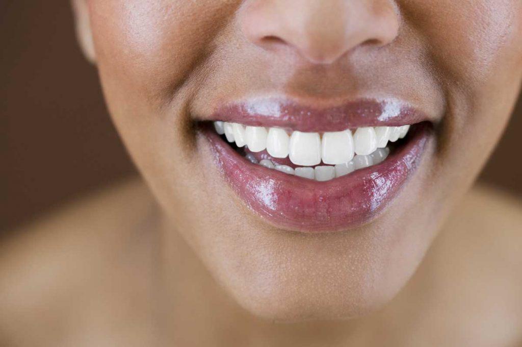 Nourishing Botanicals Tinted Lip Shine Oil